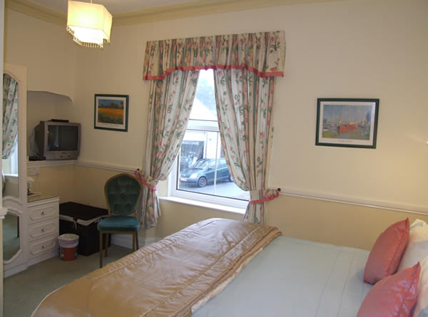 Cheap Bed And Breakfast Tenby